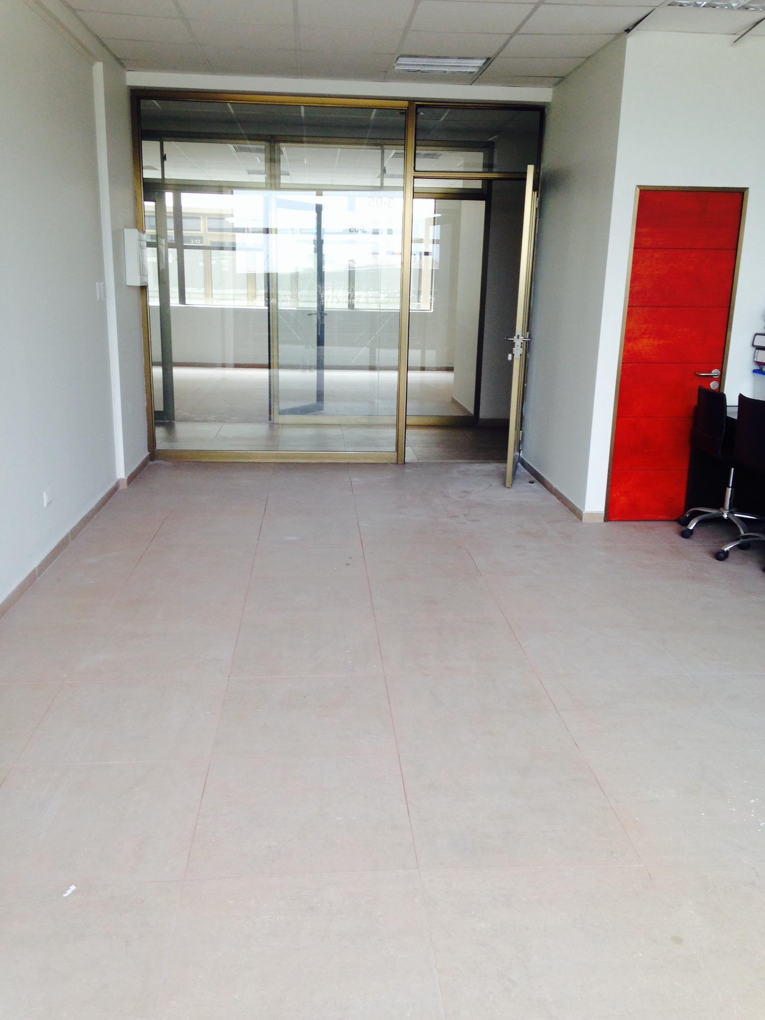 Oficina segundo piso Zona Franca