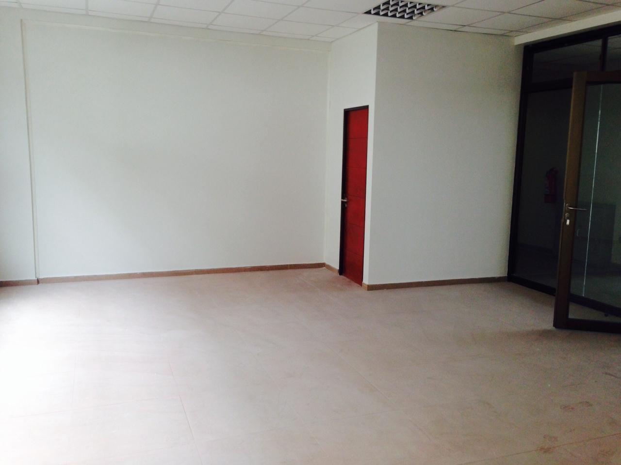 Oficina tercer piso Zona Franca